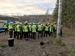 Getting ready to see a real forest. EU Decision Makers at the Forest Academy, hosted by Metsä Group. Photo: Mikko Norros, Hopiasepät Ltd