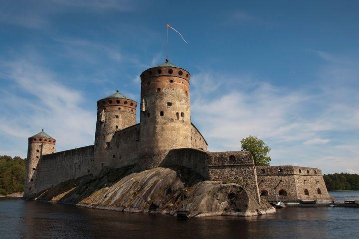 Heinäkuussa Olavinlinnassa saavutettiin uusi 44 000 kävijän kuukausiennätys. Kuva: Esko Ikonen.