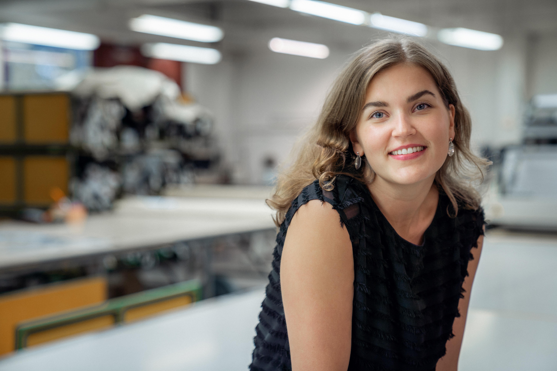 Naisten vaatteista tuttu Voglia on mukana suojavaatteiden valmistuksessa