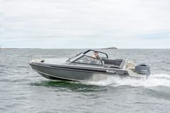 Buster Magnum 2018. Altogether more than 5,000 Buster Magnums of earlier generations have been sold.   This seaworthy high-performance model is especially popular on the Atlantic coasts of Norway and Sweden where the challenges faced by boats are particularly demanding.