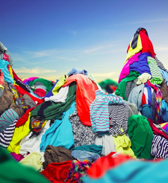 Laitoitko paidan kierrätykseen, vaikka siitä puuttui nappi? Älä tee näitä virheitä, kun maritat vaatekaappiasi