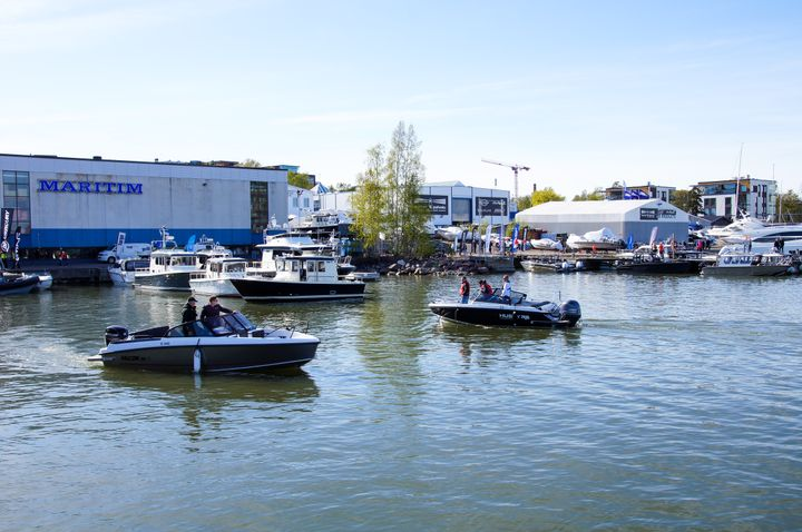 In mid-May, a group of boating industry players in Finland jointly organised a large-scale test run event for the first time, to bring together a wide range of boat models along with related services and current or prospective boaters eager to take the helm.