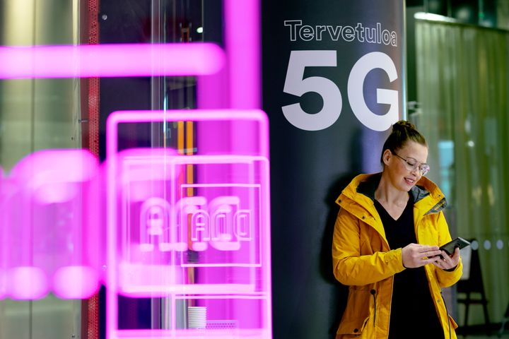 DNA begins selling 5G subscriptions