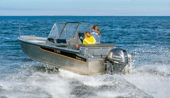 The Buster M has been designed as a multi-functional boat for many purposes:It is well-suited for short-distance travel, fishing in coastal waters and family boating trips.The boat is easy to handle and transport also with the car on a light unbraked trailer.The cockpit area features rainwater drainage.