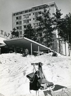 Kino Tapiola and Mäntytorni at the end of the 1950's, photo: Caj Bremer