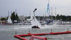 The daily programme features spectacular flyboard performances by Vadim Nekhaev of Extreme-Life and skilful freestyle jet skiing performances by the reigning Finnish champion Pentti Keinänen.